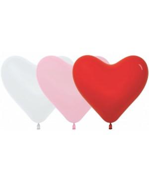 Шар латексный в форме сердца.